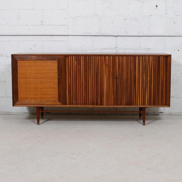 Mid-Century American Modern Walnut Sideboard & Dry Bar - Image 2 of 11