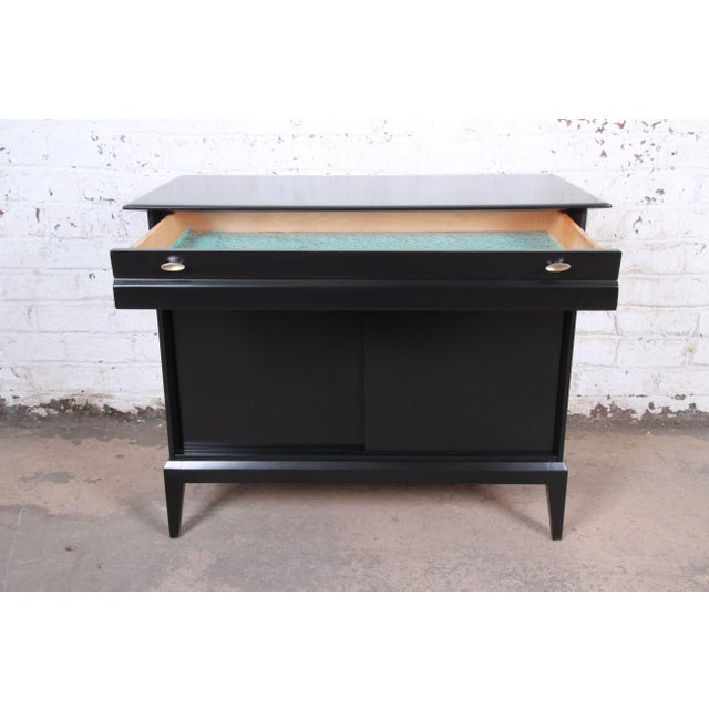 Black Paul McCobb Style Ebonized Mid-Century Modern Compact Credenza by Heywood Wakefield For Sale - Image 8 of 13