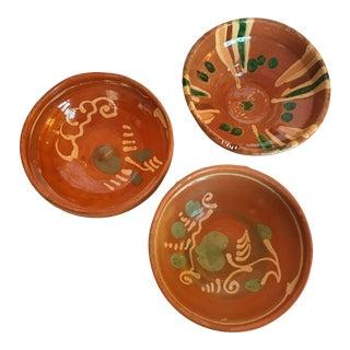 Transylvania Vintage Folk Art Pottery Hand-Painted Redware Bowls - Set of 3 For Sale