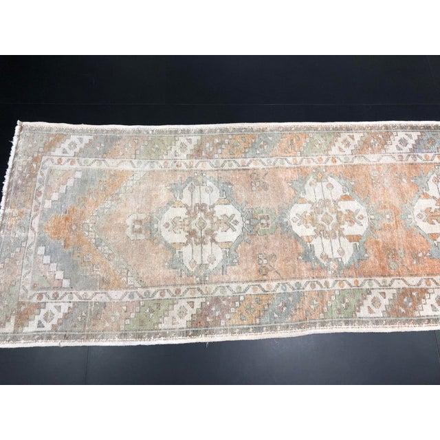 Vintage Orange Faded Oushak Turkish Wool Runner- 2′11″ × 10′3″ For Sale In Phoenix - Image 6 of 11