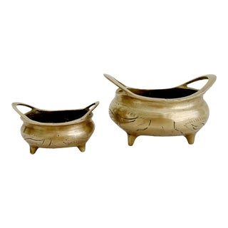 Vintage Chinese Brass Couldron Pots Set of 2 For Sale