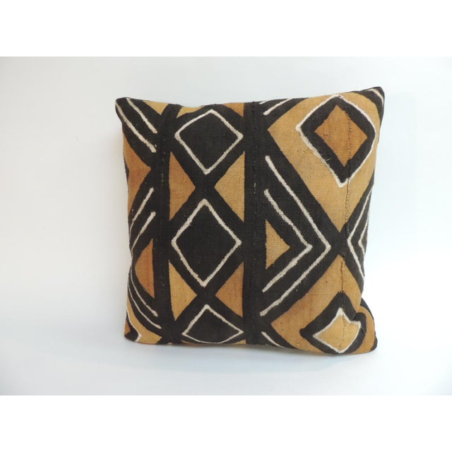 Vintage Graphic African Artisanal Textile Mud Cloth Decorative Pillow For Sale - Image 4 of 4