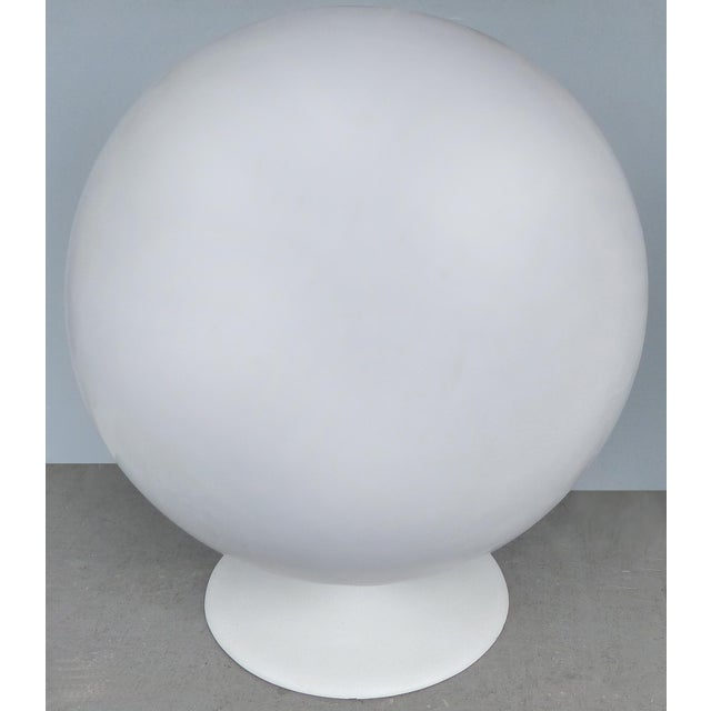 Mid-Century Modern Eero Aarnio Attributed Mid-Century Modern Ball Chair, Circa 1965 For Sale - Image 3 of 9