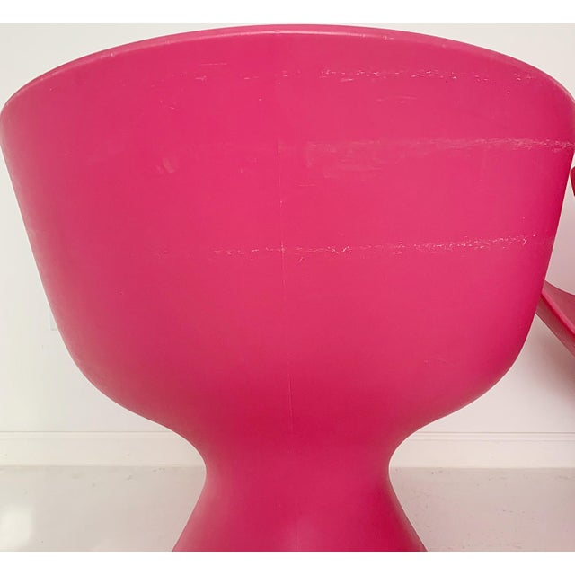 Pink Modern Karim Rashid Pink Kite Lounge Chairs- A Pair For Sale - Image 8 of 9