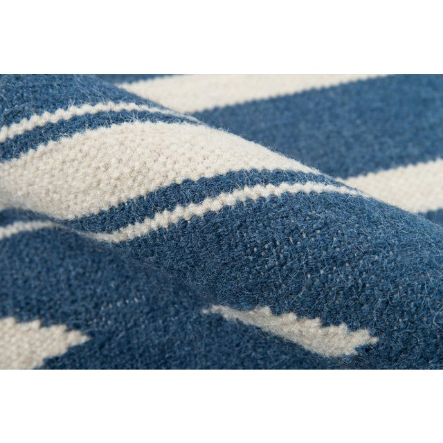 """Erin Gates by Momeni Thompson Billings Denim Hand Woven Wool Area Rug - 3'6"""" X 5'6"""" For Sale - Image 4 of 7"""
