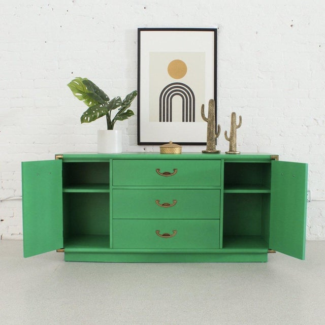 Contemporary Kelly Green Drexel Bureau Buffet For Sale - Image 3 of 10