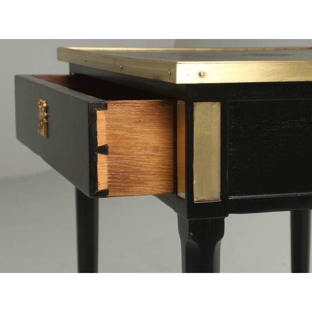 Late 19th Century Antique French Louis XVI Style End or Side Table in an Ebonized Mahogany Finish For Sale - Image 5 of 10