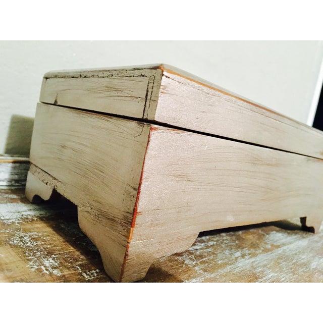 Vintage Shabby Chic Cedar Box - Image 4 of 9