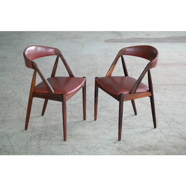 Kai Kristiansen Kai Kristiansen Rosewood and Red Leather Model 31 Dining Chairs - Set of 5 For Sale - Image 4 of 13