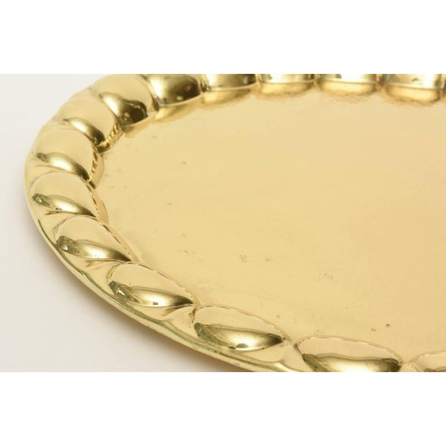 Hand-Hammered Circular Polished Brass Monumental Serving/Barware Tray For Sale - Image 4 of 10