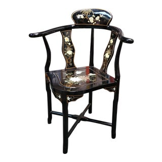 1970 Chinese Lacquered Wood & Hand Painted Corner Chair For Sale