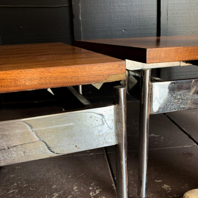 Mid-Century Modern Side Table For Sale - Image 4 of 6