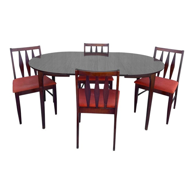 Mid-Century Modern Dining Set With Five Chairs For Sale
