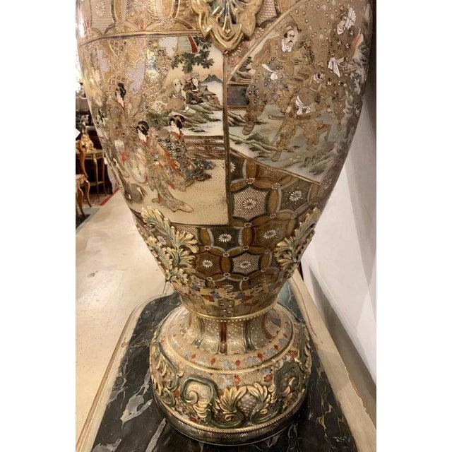 Satsuma Thousand Face Vase or Urn Palace Sized Twin Handled For Sale - Image 9 of 13