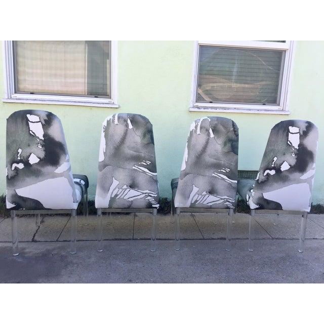 Charles Hollis Jones 1960s Charles Hollis Jones Lucite Legs Chairs - Set of 4 For Sale - Image 4 of 12