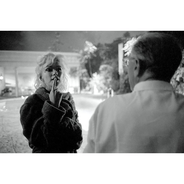 Figurative Marilyn Monroe Photograph on Movie Set by Lawrence Schiller, 32/75 For Sale - Image 3 of 3