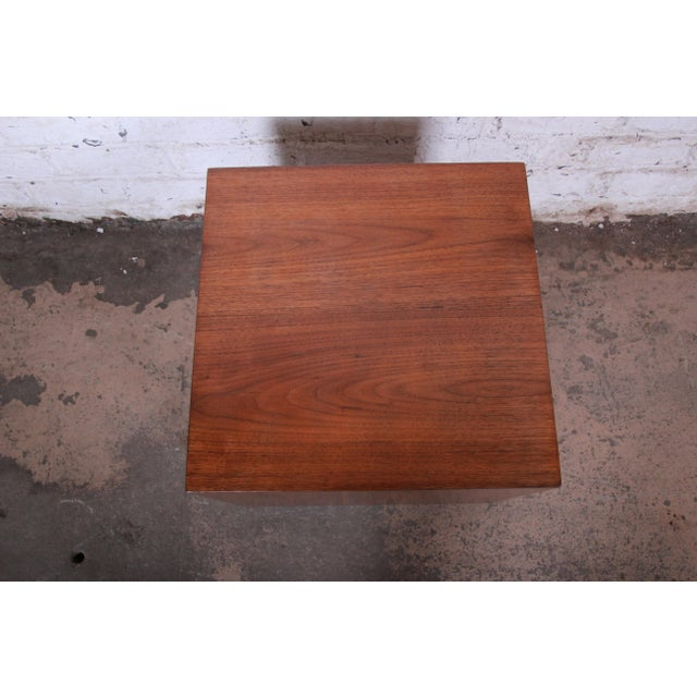 Milo Baughman Milo Baughman Mid-Century Modern Walnut Cube Side Table or Coffee Table, Restored For Sale - Image 4 of 5