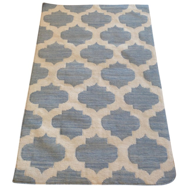 Light Blue Reversible Trellis Kilim - 3′1″ × 4′11″ For Sale