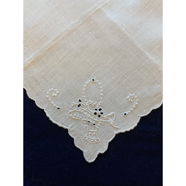 Art Deco Antique White Linen and Basket Embroidered Cocktail Napkins, Set/4 For Sale - Image 3 of 4