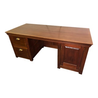 1990s Traditional Partner Mahogany Desk For Sale