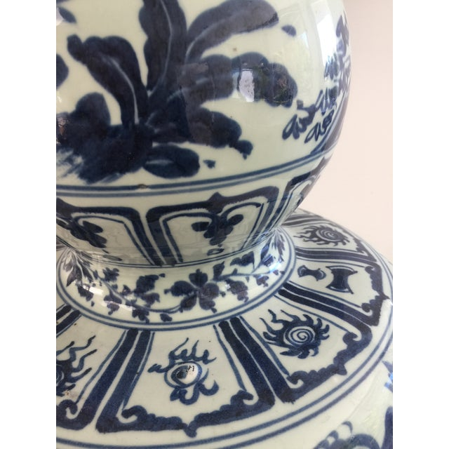 Asian Chinese Blue and White Double-Gourd Form Porcelain Vases - a Pair For Sale - Image 3 of 10
