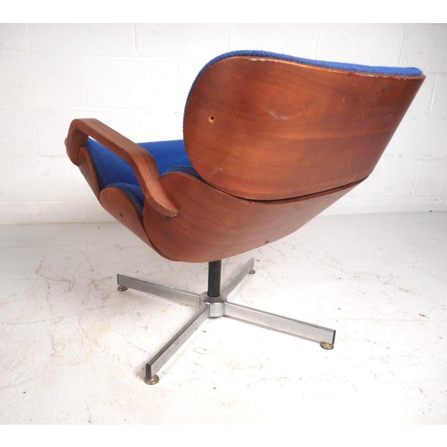 1970s Vintage Modern Eames Style Swivel Lounge Chair and Ottoman For Sale - Image 5 of 13