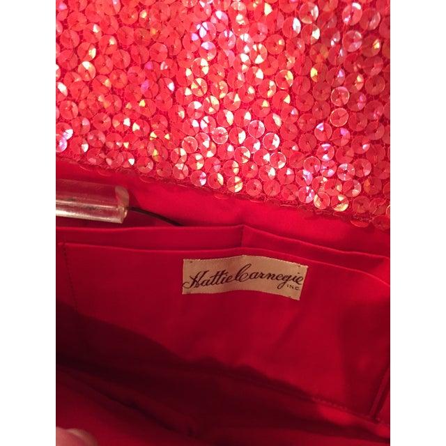 Hattie Carnegie Mid-Century Coral Sequin Covered Top Handle Evening Bag For Sale In Philadelphia - Image 6 of 7