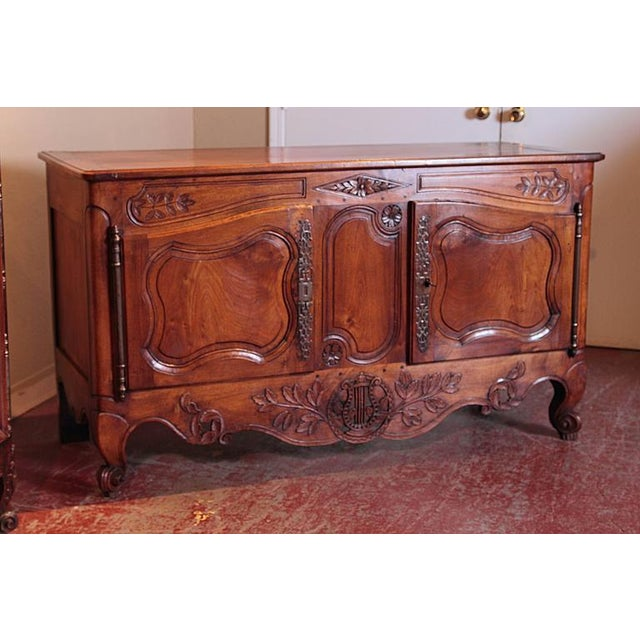 18th Century French Louis XV Carved Walnut Two-Door Buffet from Provence For Sale - Image 5 of 10