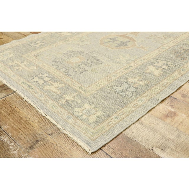 Contemporary Turkish Oushak Runner With Transitional Style - 03'00 X 09'11 For Sale In Dallas - Image 6 of 9