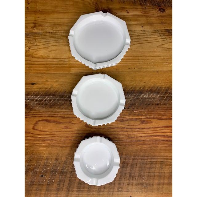 Hobnail Geometric Ashtray Bowls - Set of 3 For Sale In Atlanta - Image 6 of 11