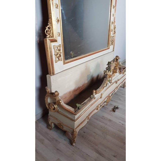 Baroque 19th Century Italian Baroque Style Carved Lacquered Golden Wood Floor Mirror For Sale - Image 3 of 12