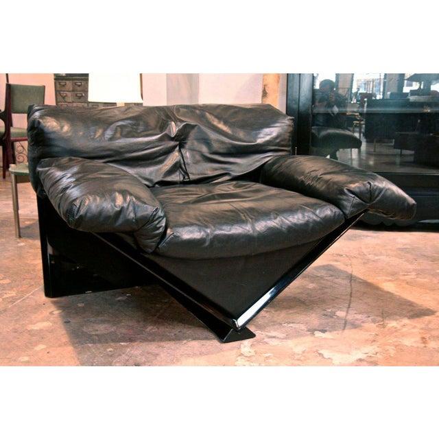 "Italian Italian MIM Leather Armchair ""VICTORY"" For Sale - Image 3 of 7"