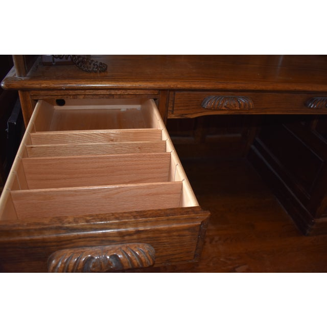 1980s Traditional Oak Crest Manufacturing Rolltop Desk For Sale - Image 5 of 10