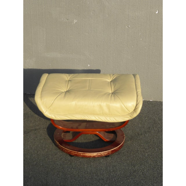 Vintage Mid Century Modern Yellow Cream Leather Ottoman For Sale - Image 10 of 10