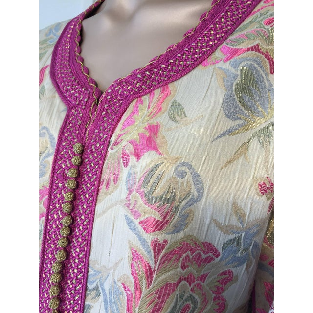 Islamic Vintage 1970s Moroccan Kaftan Brocade Embroidered With Pink and Gold Trim For Sale - Image 3 of 10