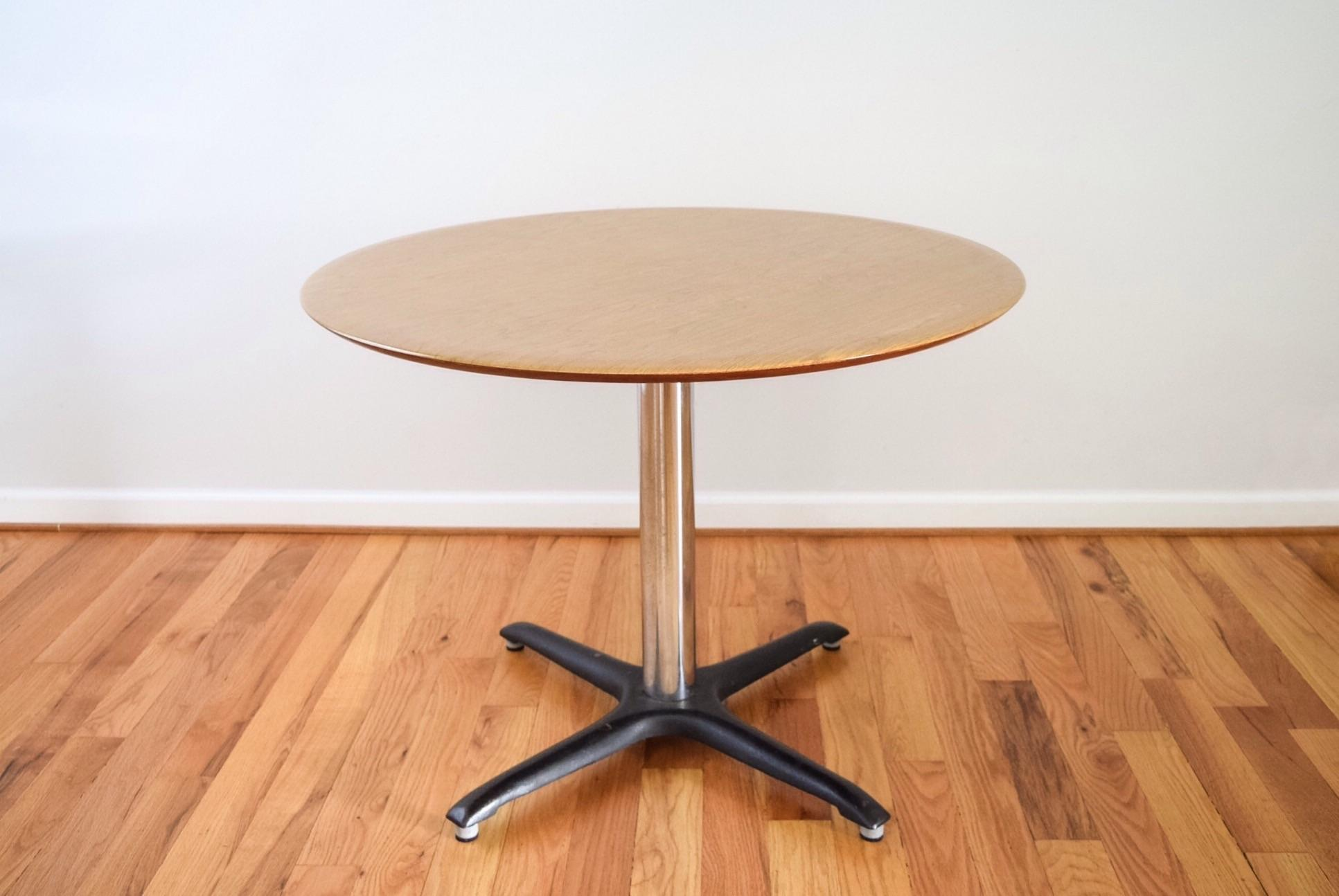 Vintage Mid Century Modern Saarinen Style Table. Faux Wood Grain Laminate  Tabletop With Chrome Stem