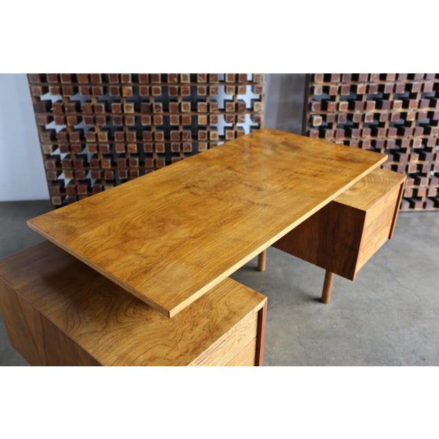 Walnut Desk by Milo Baughman for Glenn of California For Sale - Image 12 of 13