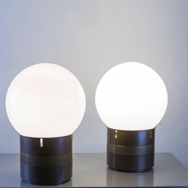 """Artemide Pair of """"Mezzo Oracolo"""" Table Lamps by Gae Aulenti for Artemide For Sale - Image 4 of 9"""