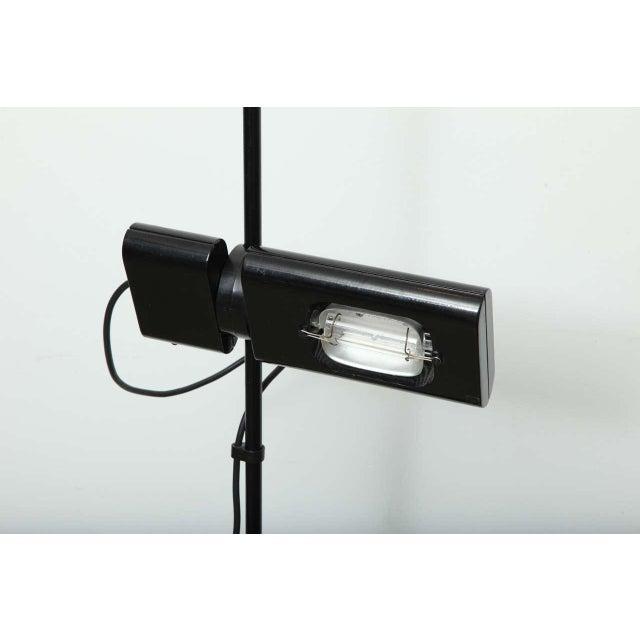 Late 20th Century Vintage Artemide Minimalist Black Floor Lamp For Sale - Image 5 of 9