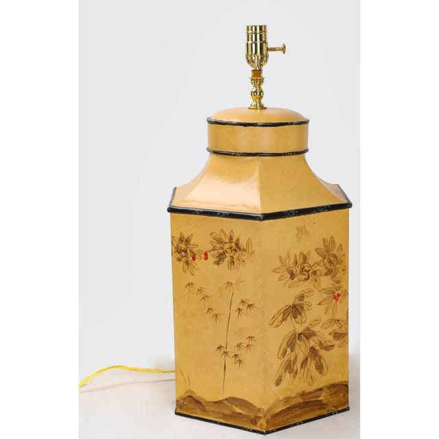 Mid 20th Century Vintage English Export Chinoiserie Style Yellow Hexagonal Tea Caddy Lamp For Sale - Image 5 of 10
