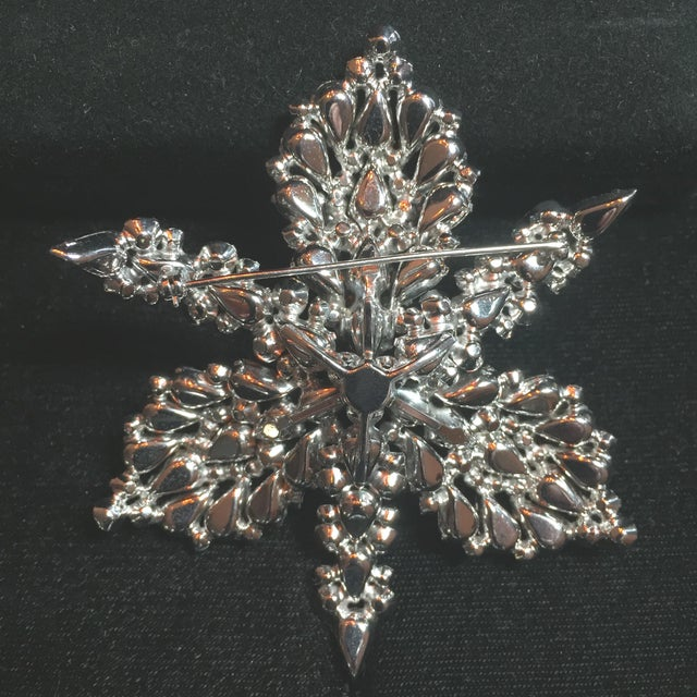 Massive Elsa Schiaparelli Crystal & Rhodium Orchid Brooch & Earrings, 1950s For Sale - Image 9 of 13