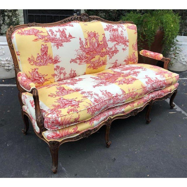 Louis XV Antique Louis XV Style Carved Walnut Sofa Settee W/ Brunschwig & Fils Toile For Sale - Image 3 of 11