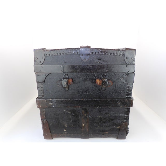 Brown Late 19th Century Antique Crouch & Fitzgerald Coffee Table/Steamer Trunk For Sale - Image 8 of 11