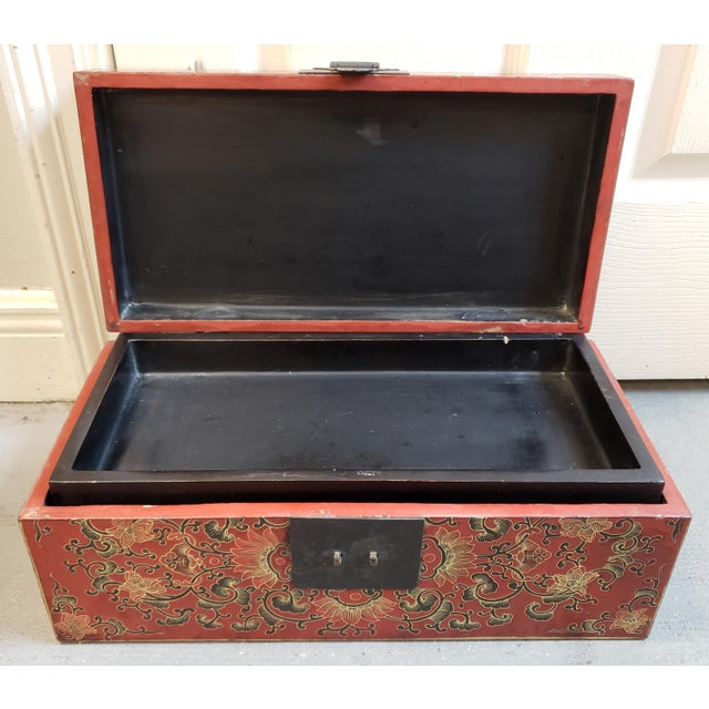 Late 19th Century Chinese Painted Lacquered Wood Carved Imperial Court Motif Chest For Sale - Image 4 of 10