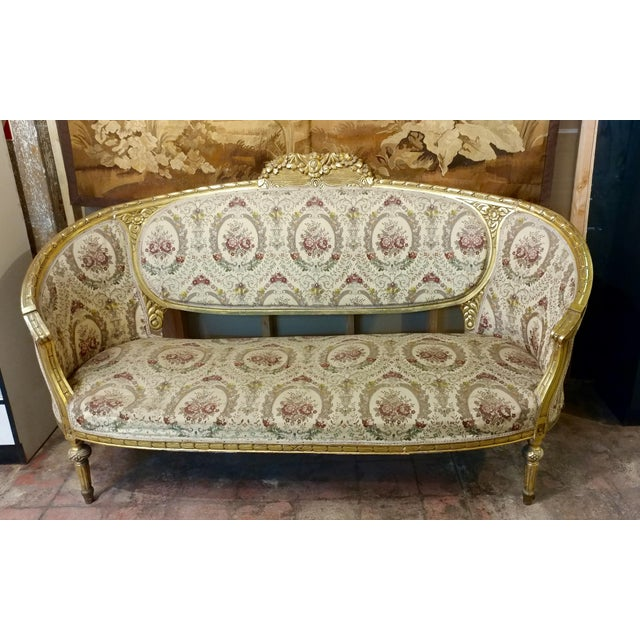 19th Century Beautiful Louis XV Carved Gilt & Tapestry Canopy Sofa For Sale - Image 4 of 10