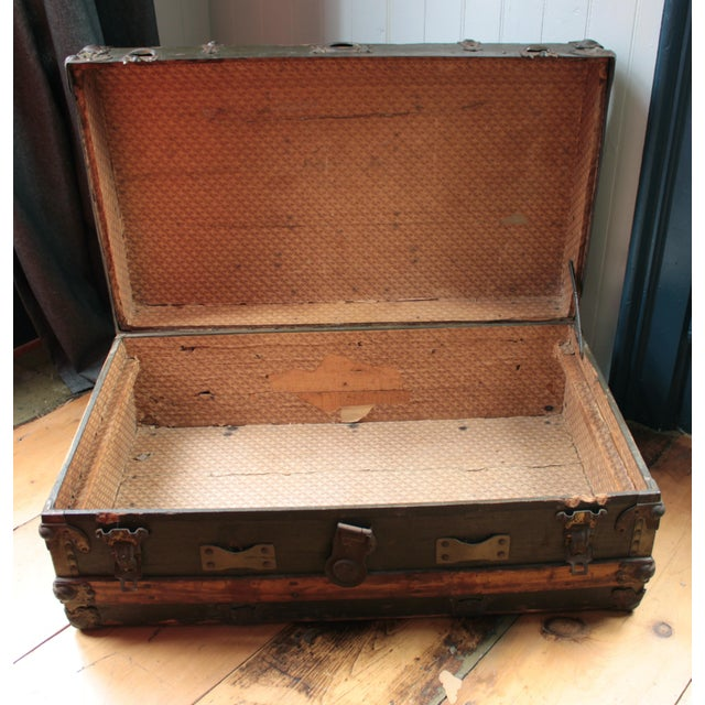 19th Century Americana Rustic Wooden Trunk For Sale - Image 4 of 5