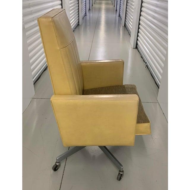 Steelcase Steelcase Mid Century Swivel Tilt Desk Chair For Sale - Image 4 of 13