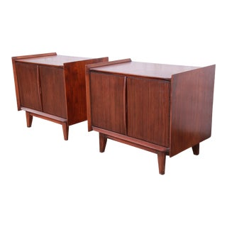 Lane First Edition Mid-Century Modern Sculpted Walnut Nightstands, Pair For Sale