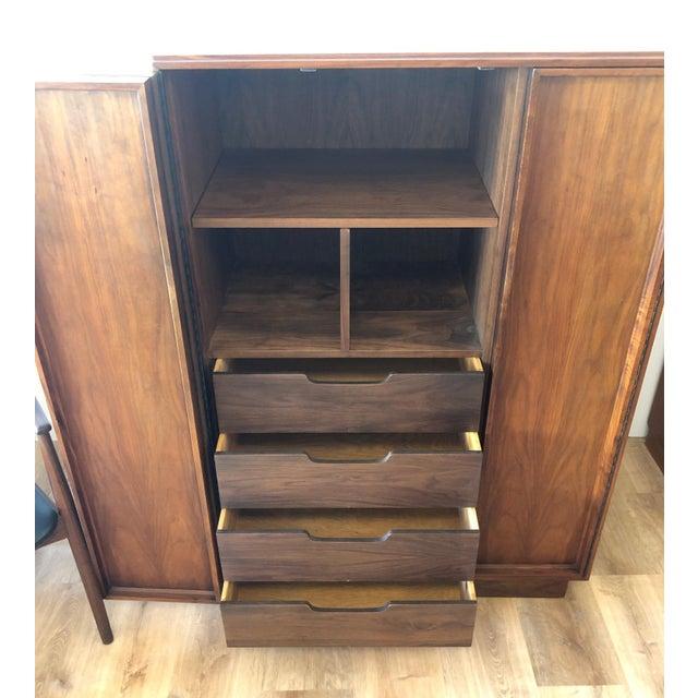 Mid-Century Modern MCM John Keal for Brown & Saltman Walnut Gentleman's Bureau For Sale - Image 3 of 7