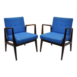 Jens Risom Rosewood Mid Century Modern Blue Fabric Lounge Chairs - A Pair For Sale